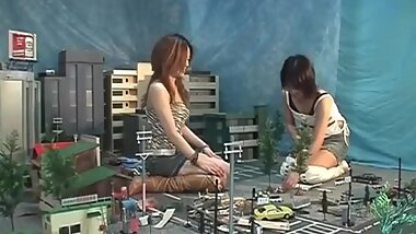 giantess asiaticas beautiful crush city